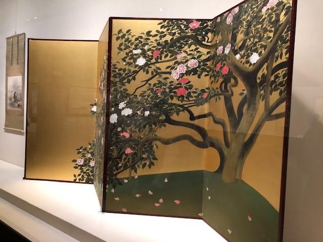 名樹散椿 【重要文化財】 ● 1929(昭和 4)年 紙本金地・彩色