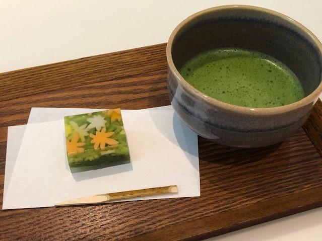 山種美術館「Cafe 椿」 秋の和菓子「秋のおとずれ」