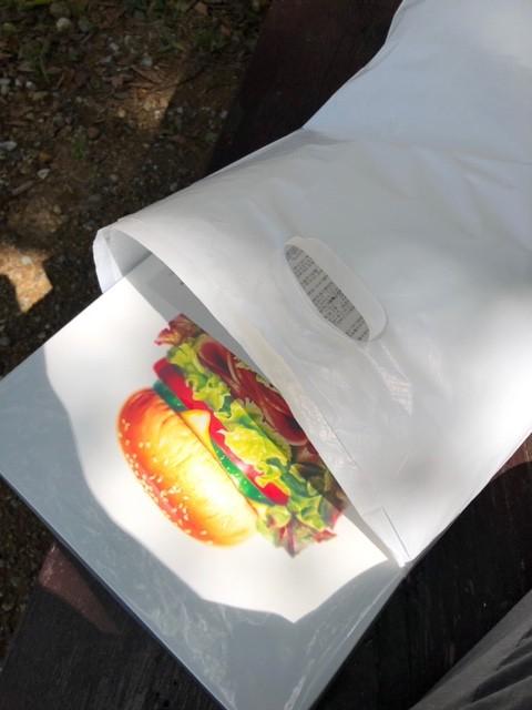 斎藤雅緒氏のハンバーガーの複製画を買いました。